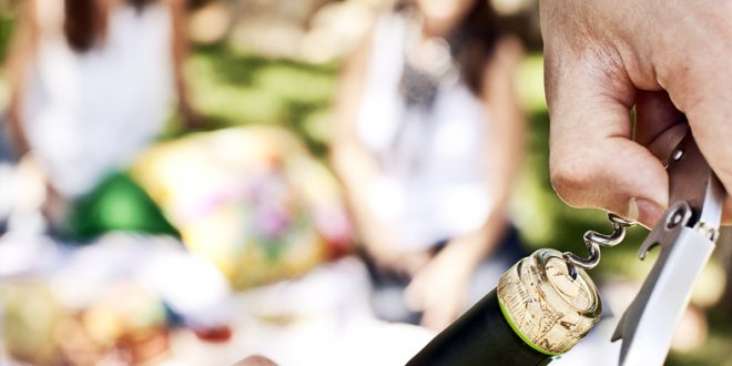 Survey Says: American Wine Drinkers Prefer Cork